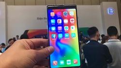 """Bphone 3 liệu có """"sứt đầu mẻ trán"""" khi đối đầu với các smartphone này?"""