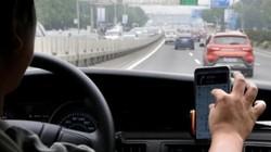 TQ: Uống nước đóng chai miễn phí trên taxi, phát hiện điều kinh tởm