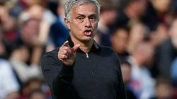 "HLV Mourinho lỡ ""đại chiến"" Chelsea vs M.U vì... chửi tục?"