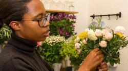 Bó hoa của chồng tặng đã đem về gợi ý giúp người phụ nữ thu về tiền tỷ