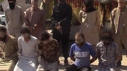 """Rợn người cảnh IS xử bắn 5 """"gián điệp"""" Syria """"dằn mặt"""" Putin"""