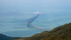 Trung Quốc hoàn thành cây cầu biển dài nhất thế giới