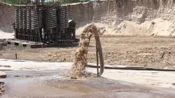"""Người dân quốc gia châu Phi khổ sở vì """"cơn khát"""" cát của Trung Quốc"""