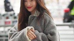 """Nữ hoàng sexy xứ Hàn diện áo lông cừu, """"sốc nhiệt"""" khi đến sân bay Tân Sơn Nhất"""