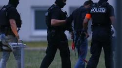 Thiếu nữ bị 8 đàn ông hãm hiếp: Sóng gió bủa vây chính phủ Merkel