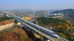 """Vì sao """"lại"""" khởi động dự án đường sắt cao tốc Bắc – Nam?"""