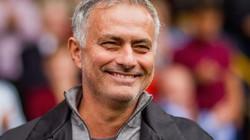 """""""Chửi bậy"""", HLV Mourinho chính thức nhận """"trát"""" từ FA"""