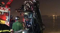 Nóng trong tuần: Mercedes văng khỏi cầu Chương Dương, 2 người tử vong trong chiếc xe nát bét
