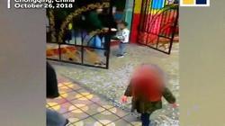 """""""Múa"""" dao tại trường mẫu giáo, 14 trẻ em trọng thương"""
