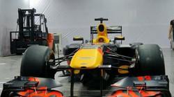 Chiếc xe đua F1 hàng chục triệu USD vừa xuất hiện tại Hà Nội khủng cỡ nào?