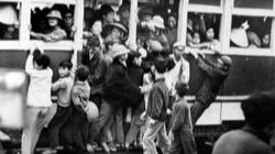 Tận mục cảnh trẻ em nhảy tàu điện ở Hà Nội năm 1973