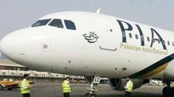 Hành khách tự đốt hành lý giữa sân bay phản đối vì bị chậm giờ