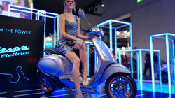 Xe ga điện Vespa Elettrica sẽ về Châu Á, cạnh tranh VinFast Klara?