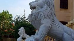 """Lạng Sơn: Sư tử đá nhe nanh """"canh cửa"""" Tòa án và Cục Hải quan"""