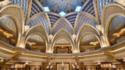 Chiêm ngưỡng khách sạn 8 sao dát đầy vàng đắt giá nhất hành tinh