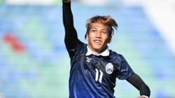 """""""Messi Campuchia"""" từng """"đánh sập"""" chảo lửa Hàng Đẫy bằng một hattrick!"""