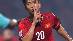 """Cận cảnh pha ăn mừng kiểu Ronaldo """"cực ngầu"""" của Phan Văn Đức"""