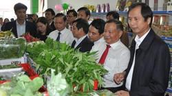 Ninh Bình: Người dân chen nhau ở cửa hàng nông sản đặc sản an toàn