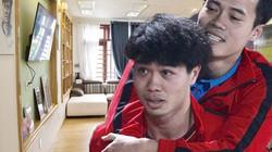 Văn Toàn bị chấn thương, khách thăm phát hiện điều đặc biệt trong phòng