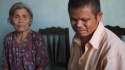 Người đàn ông mù đi ăn xin nuôi mẹ già bị ung thư