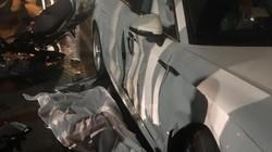 Audi A5 va chạm nhiều xe máy lúc rạng sáng, cô gái 18 tuổi tử vong