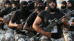 Trước khi dự G20, Thái tử Ả Rập bày binh chống đảo chính