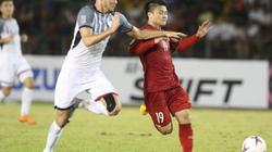 Nhìn lối đá của Philippines, Hà Nội FC bất an cho Quang Hải
