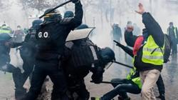 Cuộc sống của người Việt ở Paris giữa bạo loạn