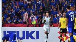 HLV Malaysia tiên đoán bất ngờ về cú đá penalty của Adisak Kraisorn