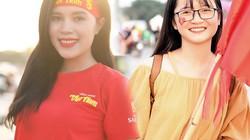 Gái xinh kéo nhau đến SVĐ Mỹ Đình cổ vũ tuyển Việt Nam