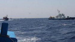 Tàu Cảnh sát biển vượt sóng lớn cứu 8 ngư dân gặp nguy trên biển