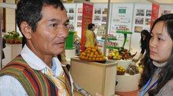 Gặp già làng của dân tộc ít người nhất Việt Nam tại Đại hội VII