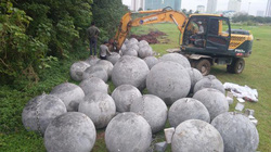 Chôn 40 quả 'bóng xích' ở sân vận động Mỹ Đình: Sự thật là...