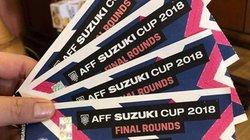 """AFF Cup: Bị """"hét giá"""" ngược ở cổng trụ sở VFF, """"phe vé"""" mất phương hướng"""