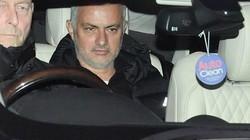 "Bị M.U sa thải, vì sao Mourinho vẫn ""tươi như hoa""?"