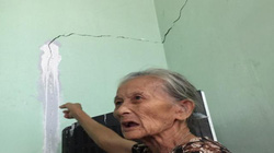 """Quảng Ngãi: Xây trụ sở làm nứt nhà dân, đền bù """"giá bèo"""""""