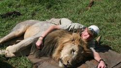 Nam Phi: Thợ săn bị voi nặng 6 tấn lên cơn động đực giẫm chết
