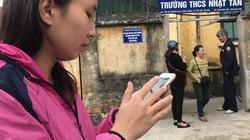 Hà Nội: Cháy lớn ở trường THCS Nhật Tân, cha mẹ lo lắng đến tìm con