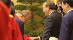 Tiết lộ lý do bầu Đức không dự lễ vinh danh ĐT Việt Nam