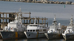 """Chiến hạm Anh cập cảng Ukraine để """"nắn gân"""" Nga"""