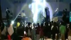 Indonesia: Khoảnh khắc sóng thần cuốn trôi ban nhạc trước mặt khán giả