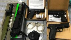 Phát hiện 3 khẩu súng, dao găm trong hành lý ở sân bay Tân Sơn Nhất