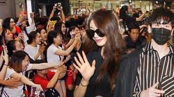 """Sân bay Tân Sơn Nhất lại """"náo loạn"""" vì dàn trai xinh gái đẹp xứ Hàn"""
