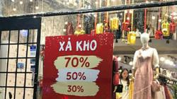 Giảm giá đến 70%, cửa hàng quần áo vẫn vắng khách