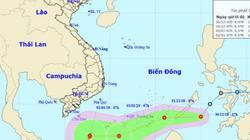 Áp thấp nhiệt đới giật cấp 8 tăng tốc vào Biển Đông, khả năng mạnh thành bão