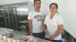 Bỏ việc lương 170 triệu/tháng về khởi nghiệp với loại bánh làm từ gạo