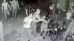 Thu giữ hàng loạt vũ khí tại nhà nhóm đối tượng chém 3 công an