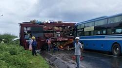 2 xe khách va chạm kinh hoàng ở Kon Tum: Xe quay ngang trước khi gặp nạn