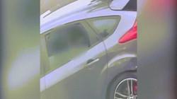 Cặp đôi thản nhiên quan hệ trong xe bất chấp có người đi qua