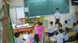 Cô giáo liên tục đánh, mắng chửi hàng loạt học sinh lớp 2